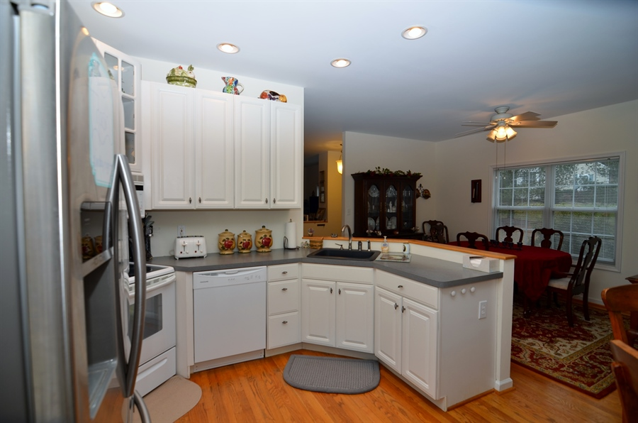 Real Estate Photography - 116 Gregg Dr, Wilmington, DE, 19808 - Kitchen