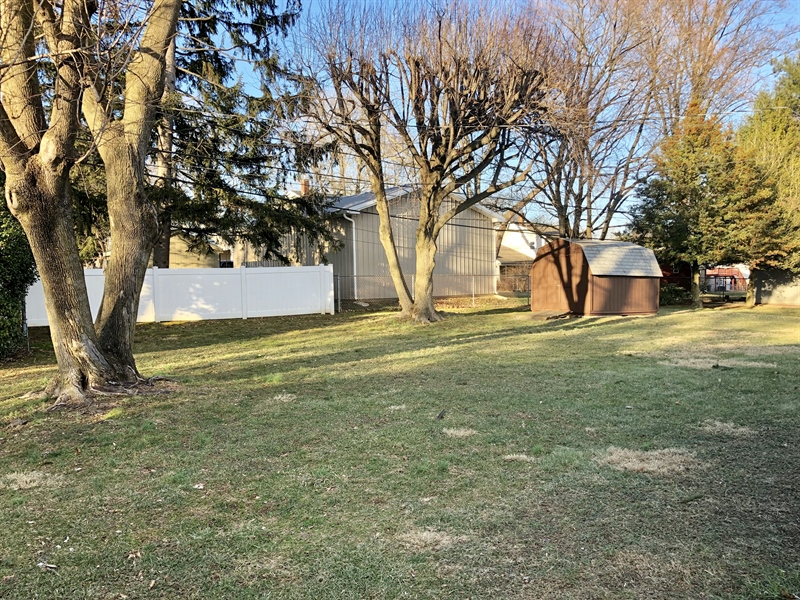 Real Estate Photography - 2211 Charwood Dr, Wilmington, DE, 19810 - Backyard