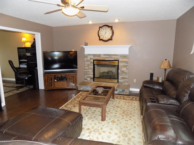 Real Estate Photography - 236 Waterway Rd, Oxford, PA, 19363 - Family room w/fireplace