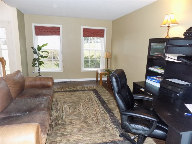 Real Estate Photography - 236 Waterway Rd, Oxford, PA, 19363 - Living room or office
