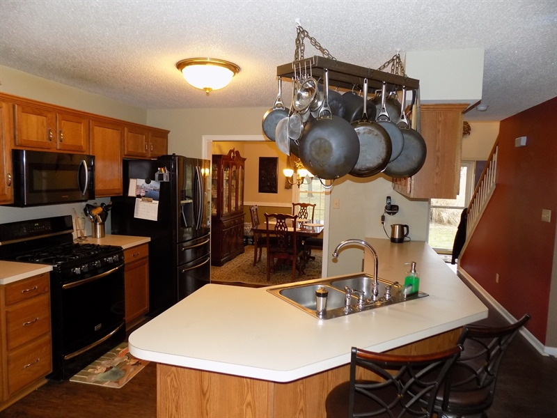 Real Estate Photography - 236 Waterway Rd, Oxford, PA, 19363 - Large kitchen