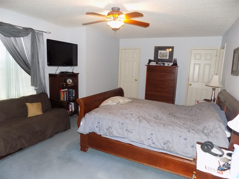 Real Estate Photography - 236 Waterway Rd, Oxford, PA, 19363 - Master w/2 walk ins and full bath