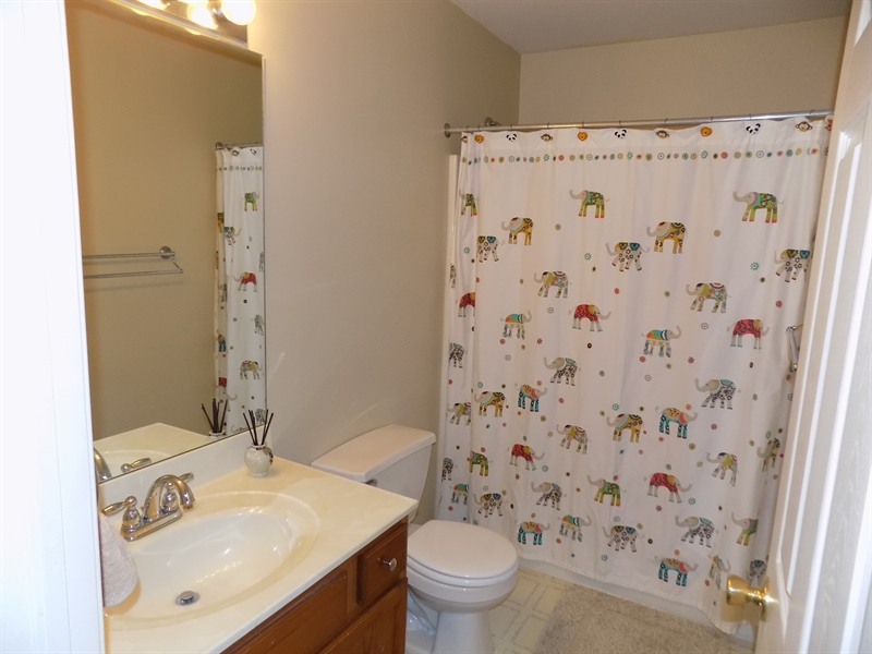 Real Estate Photography - 236 Waterway Rd, Oxford, PA, 19363 - Hall bath