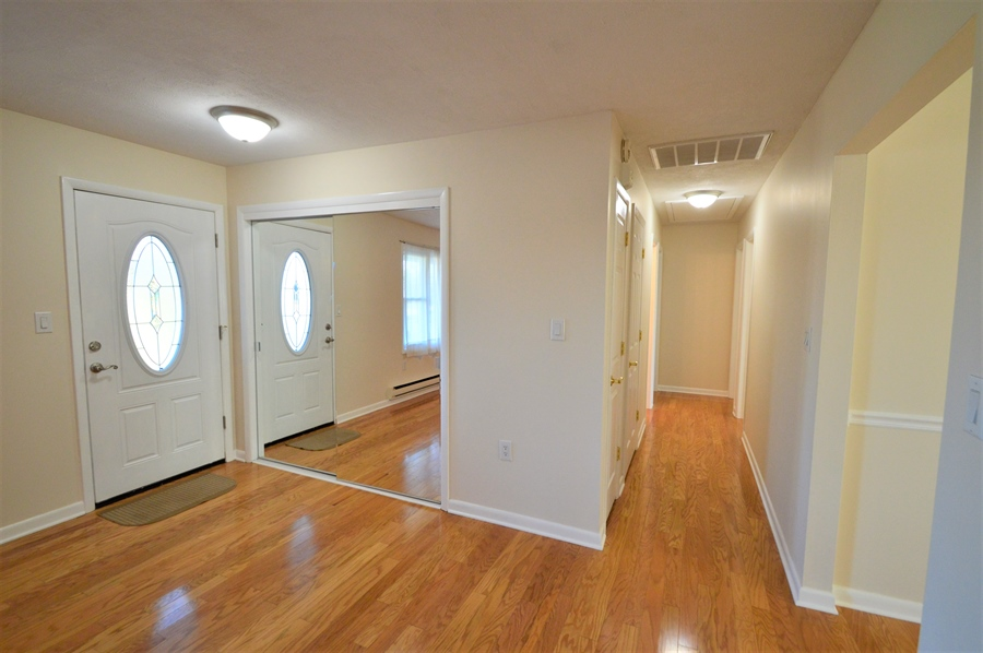 Real Estate Photography - 834 Churchtown Rd, Middletown, DE, 19709 - Foyer w/glass sliding door closet, Hall way