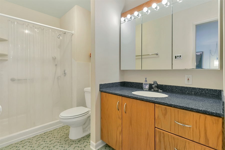 Real Estate Photography - 265 Pond Dr, Hockessin, DE, 19707 - Full master bath w/Corian countertop