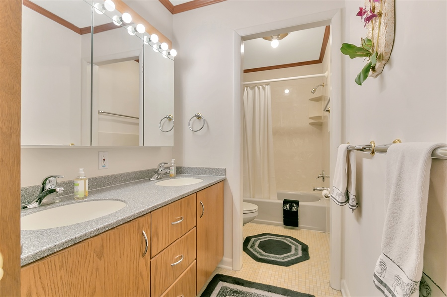 Real Estate Photography - 265 Pond Dr, Hockessin, DE, 19707 - Double vanity in the main hall bathroom