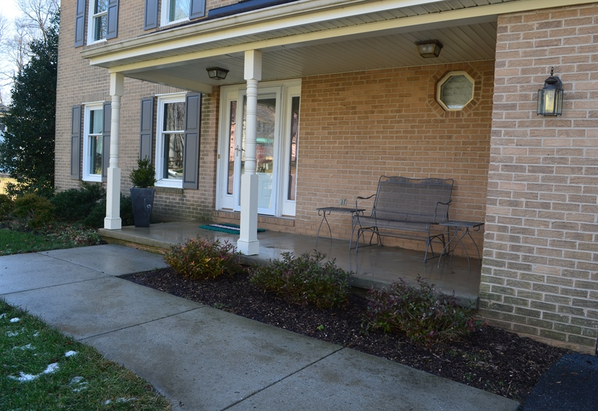 Real Estate Photography - 1 Caynor Ct, Newark, DE, 19711 - Who doesn't love a Front Porch