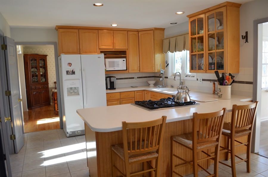 Real Estate Photography - 1 Caynor Ct, Newark, DE, 19711 - Bright and Open Kitchen