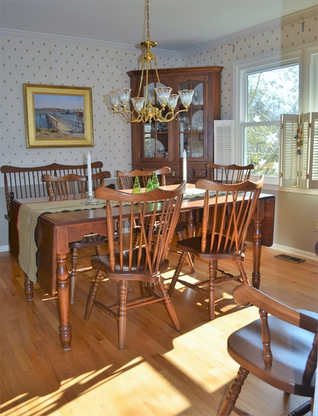 Real Estate Photography - 1 Caynor Ct, Newark, DE, 19711 - Formal Dining Room