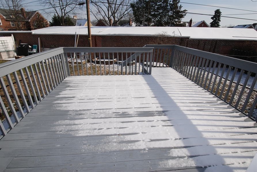 Real Estate Photography - 406 S Sycamore St, Wilmington, DE, 19805 - Don't let a bit of snow fool you, deck is great !