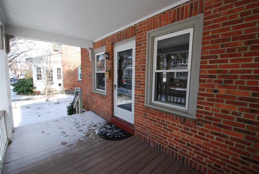 Real Estate Photography - 406 S Sycamore St, Wilmington, DE, 19805 - Imagine front porch without foot prints