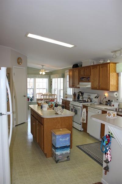 Real Estate Photography - 552 Weaver Dr, Dover, DE, 19901 - Kitchen area