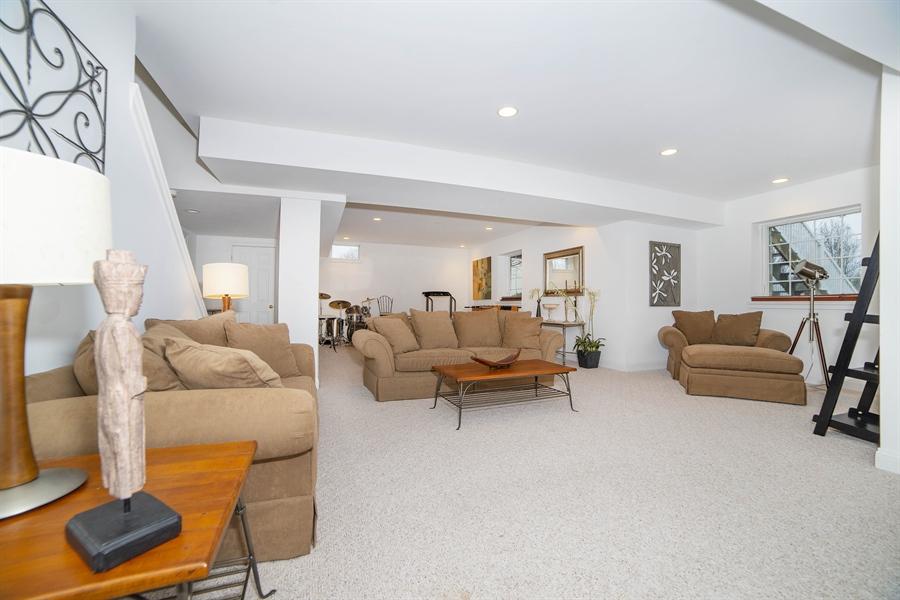 Real Estate Photography - 8 Kentshire Ct, Wilmington, DE, 19807 - Master Suite Offers Walk-In Closet & In-Suite Bath
