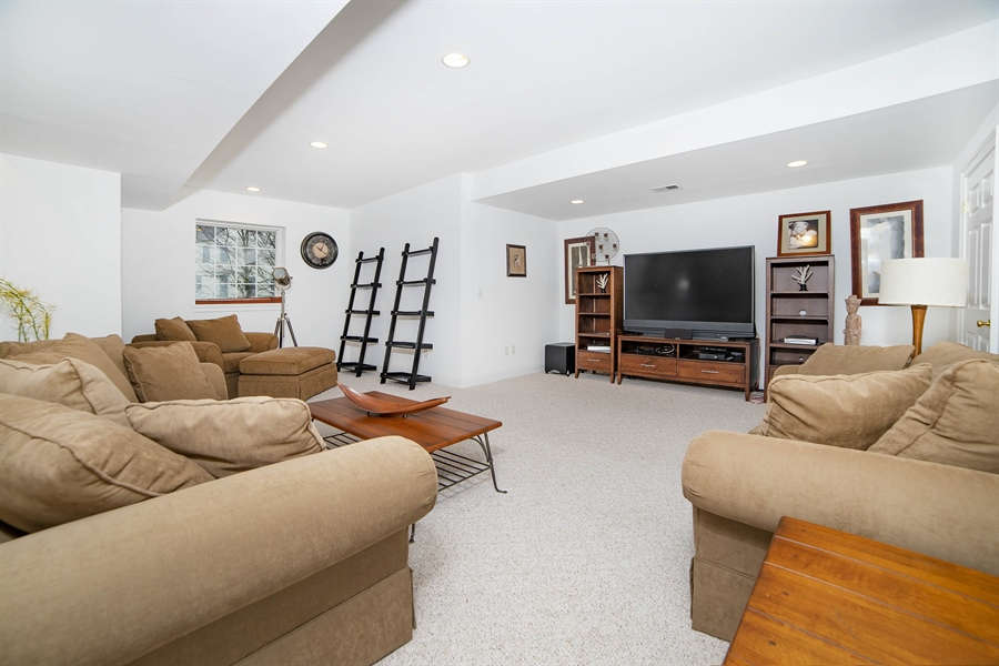 Real Estate Photography - 8 Kentshire Ct, Wilmington, DE, 19807 - Master Suite Large Enough for Seating Area