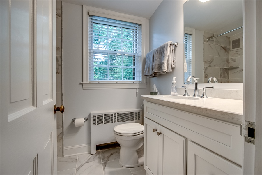 Real Estate Photography - 3202 Swarthmore Rd, Wilmington, DE, 19807 - Brand New Hall Bath