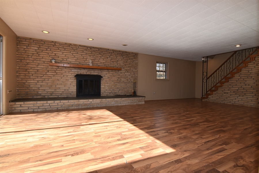 Real Estate Photography - 2 Galaxy Dr, Newark, DE, 19711 - View of fireplace in FR