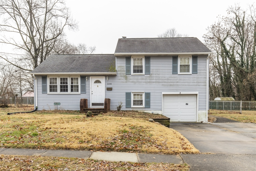 Real Estate Photography - 2406 Maxwellton Rd, Wilmington, DE, 19804 - Location 1