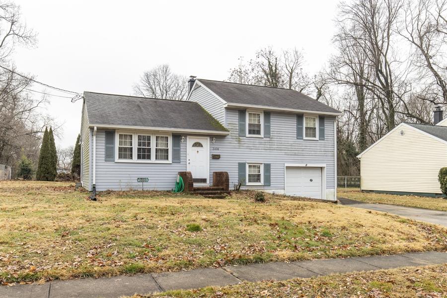 Real Estate Photography - 2406 Maxwellton Rd, Wilmington, DE, 19804 - Location 2