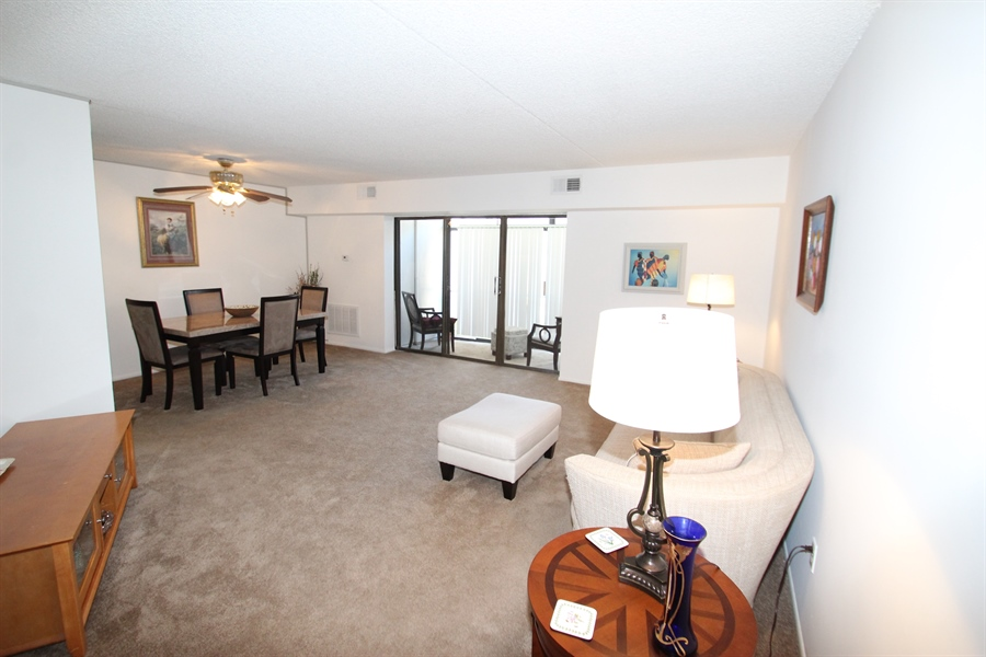 Real Estate Photography - 72 Welsh Tract Road #103, 103, Newark, DE, 19713 - Living Room/Dining Room Combo