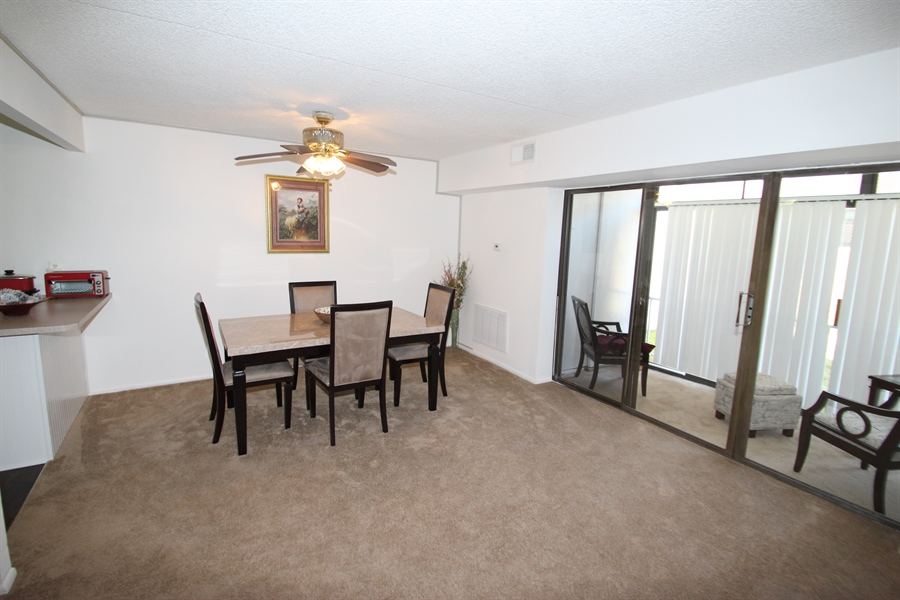Real Estate Photography - 72 Welsh Tract Road #103, 103, Newark, DE, 19713 - Dining Room