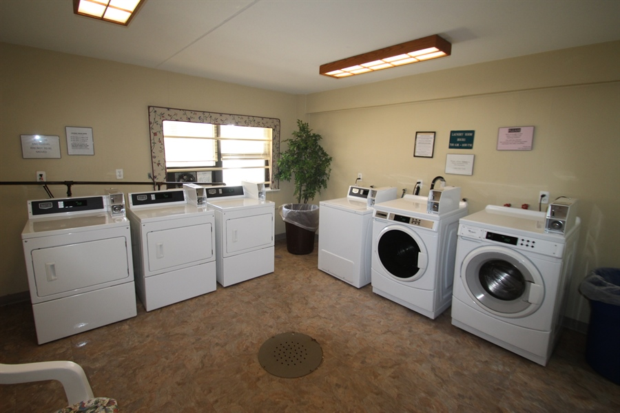 Real Estate Photography - 72 Welsh Tract Road #103, 103, Newark, DE, 19713 - Shared Laundry