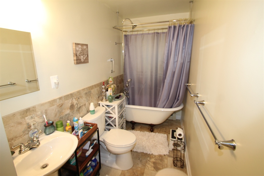 Real Estate Photography - 506 N Mill Road, Kennet Square, DE, 19348 - Full Bath