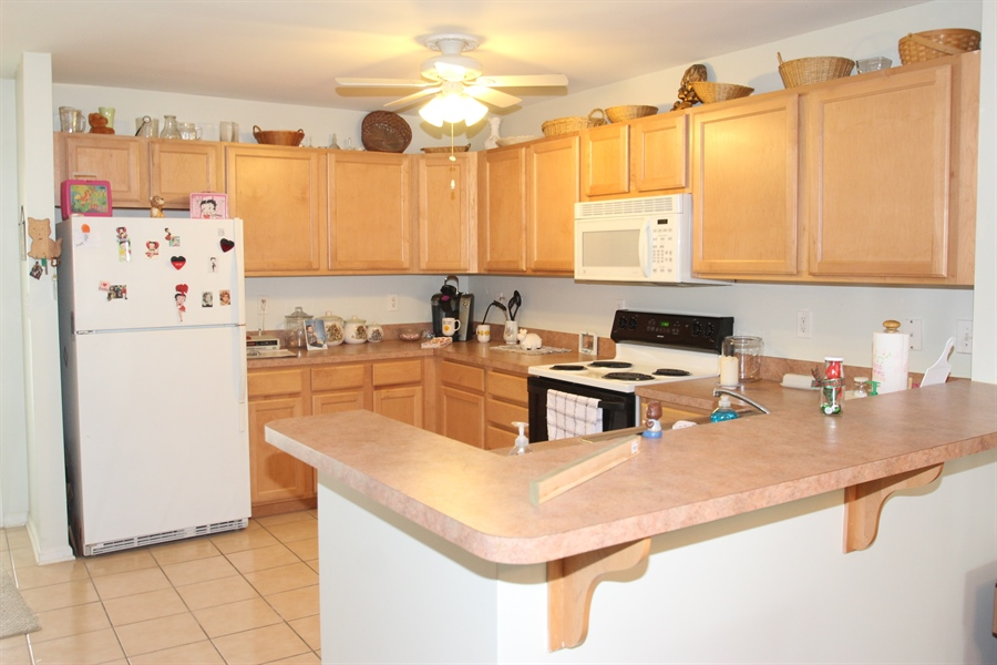 Real Estate Photography - 1860 Congressional Village Drive #6303, 6303, Middletown, DE, 19709 - Kitchen