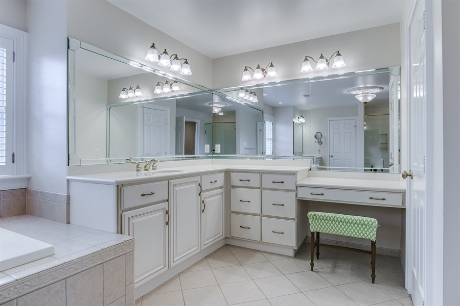 Real Estate Photography - 400 Woodale Dr, Kennett Square, PA, 19348 - Master Bath