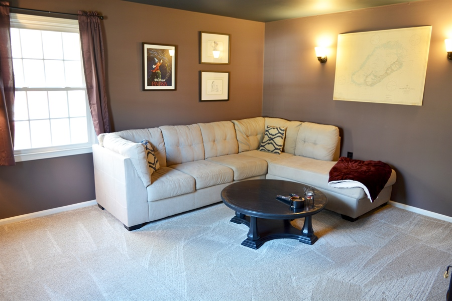 Real Estate Photography - 102 Rhett Ct, Elkton, MD, 21921 - Familyroom