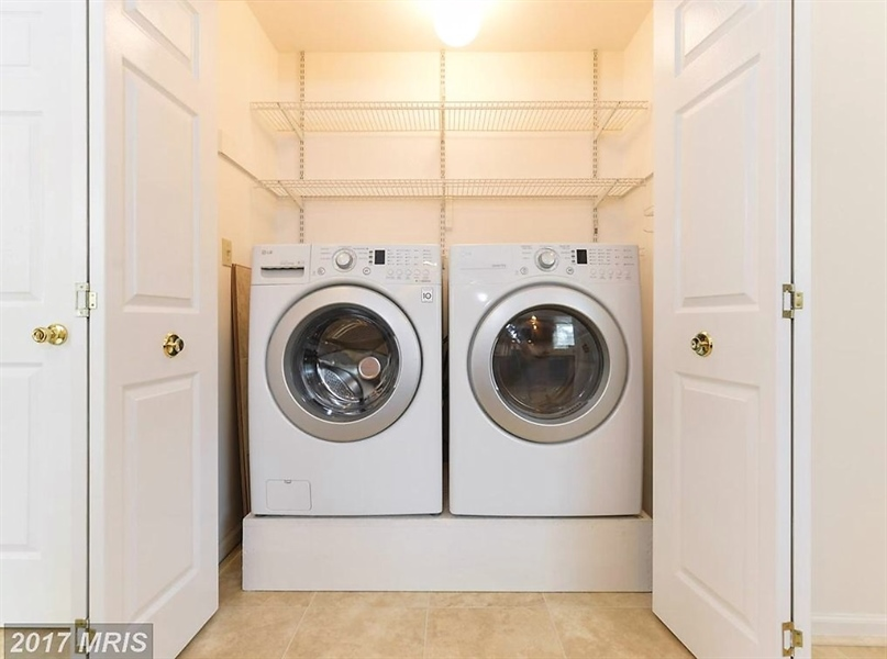 Real Estate Photography - 140 Brookview Loop, Elkton, MD, 21921 - 1st floor Laundry