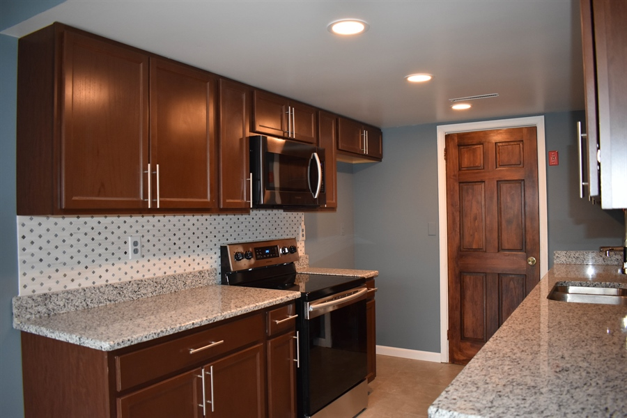 Real Estate Photography - 1267 S Farmview Dr, Dover, DE, 19904 - Kitchen, New Cabinets