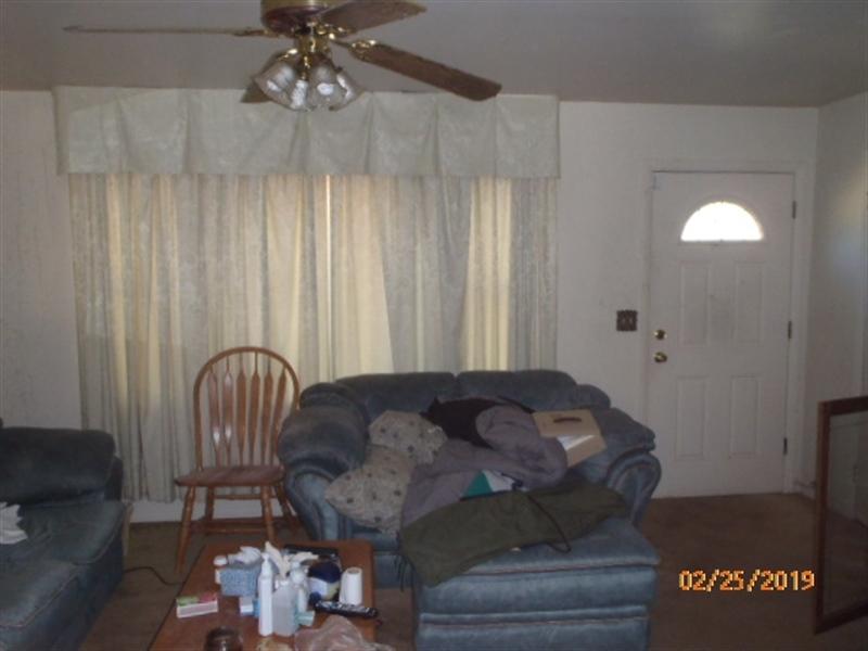 Real Estate Photography - 135 Jeri Ln, Dover, DE, 19904 - Living Room