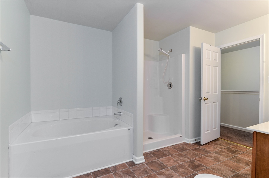 Real Estate Photography - 149 Ben Boulevard, Elkton, DE, 21921 - Soaking tub, separate shower, access from Master