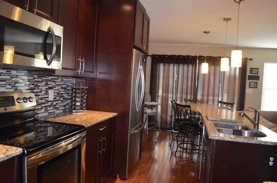 """Real Estate Photography - 702 6th St, Newark, DE, 19711 - 42"""" Cabinets, Granite, SS Appliances, & More!"""