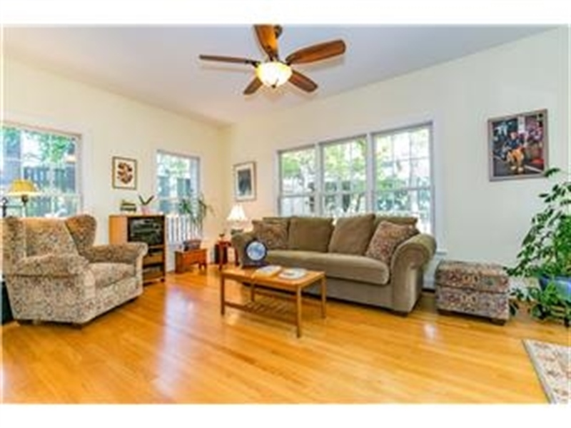 Real Estate Photography - 3103 W 4th St, Wilmington, DE, 19805 - Location 9