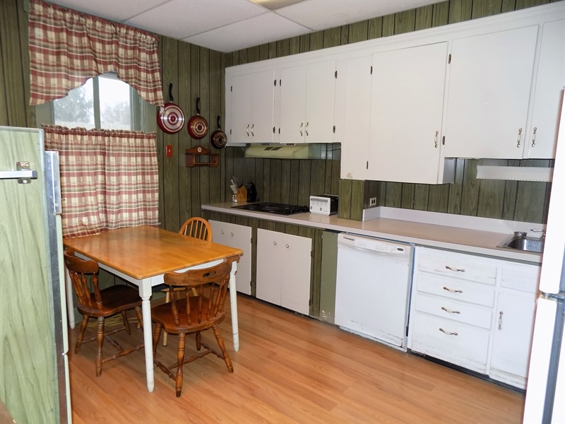 Real Estate Photography - 529 Biddle St, Chesapeake City, MD, 21915 - Kitchen