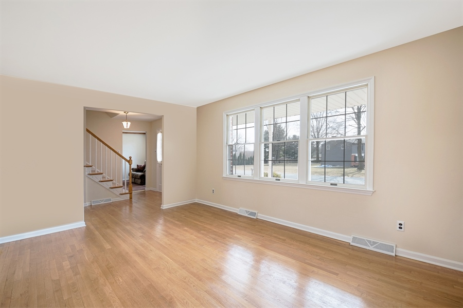 Real Estate Photography - 25 Kennedy Blvd, Elkton, MD, 21921 - LIVING ROOM, BEAUTIFUL HARDWOODS THRU OUT