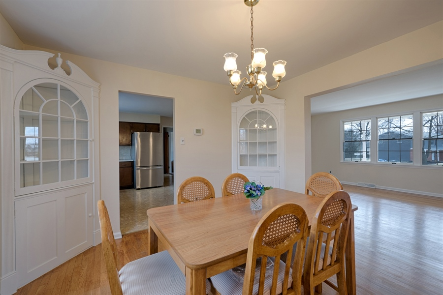 Real Estate Photography - 25 Kennedy Blvd, Elkton, MD, 21921 - BUILT IN CABINETS, REALLY NICE!