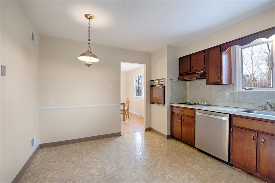 Real Estate Photography - 25 Kennedy Blvd, Elkton, MD, 21921 - TABLE SPACE