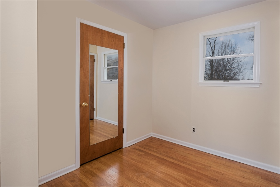 Real Estate Photography - 25 Kennedy Blvd, Elkton, MD, 21921 - MASTER BEDROOM DRESSING AREA, WALK IN CLOSET
