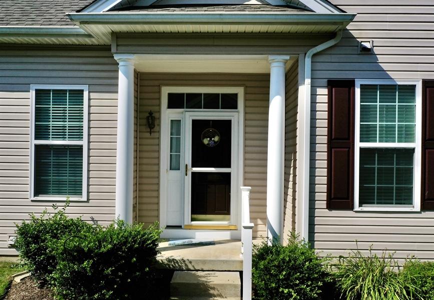 Real Estate Photography - 307 Obelisk Ln, Middletown, DE, 19709 - Living Room