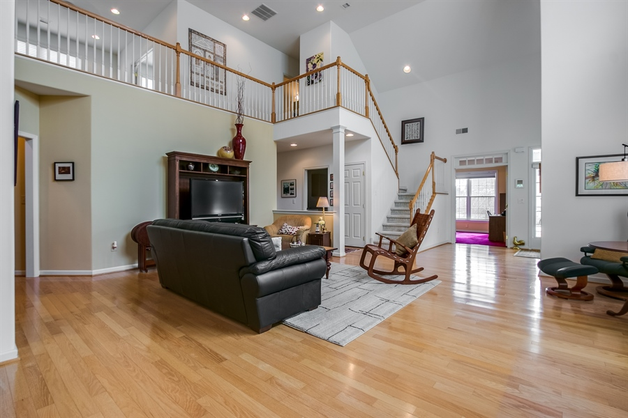 Real Estate Photography - 109 Crescent Rd, Landenberg, PA, 19350 - Wide Staircase