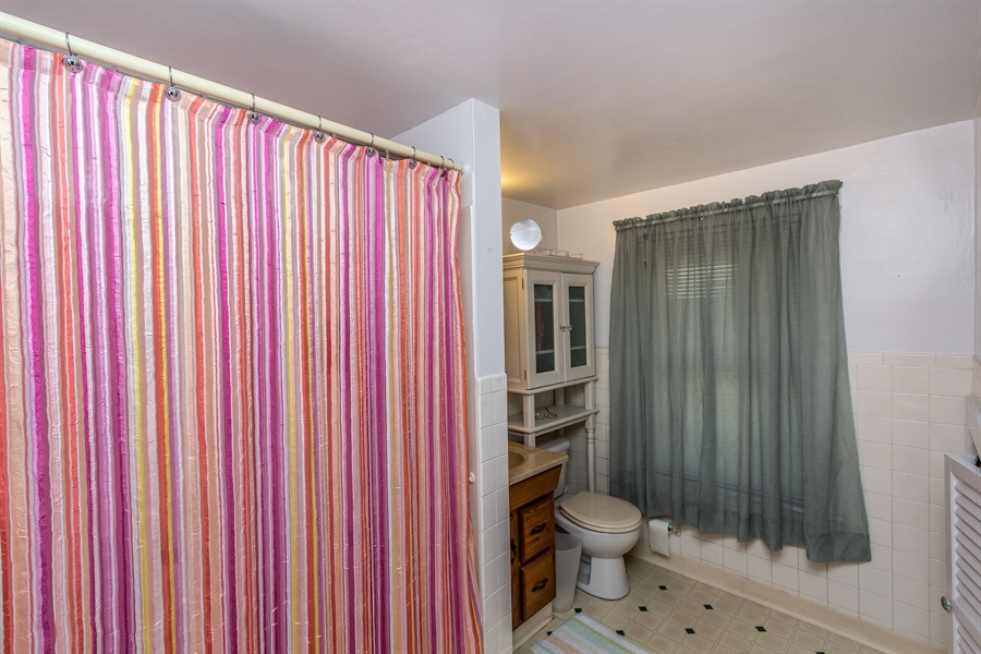 Real Estate Photography - 229 W Main St, Elkton, MD, 21921 - Upper Floor Full Bath