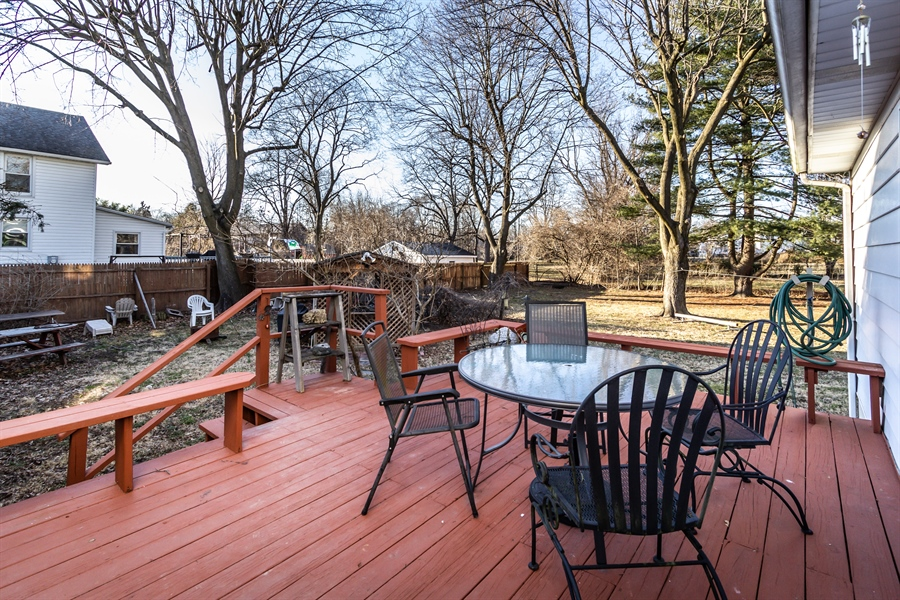 Real Estate Photography - 229 W Main St, Elkton, MD, 21921 - Deck