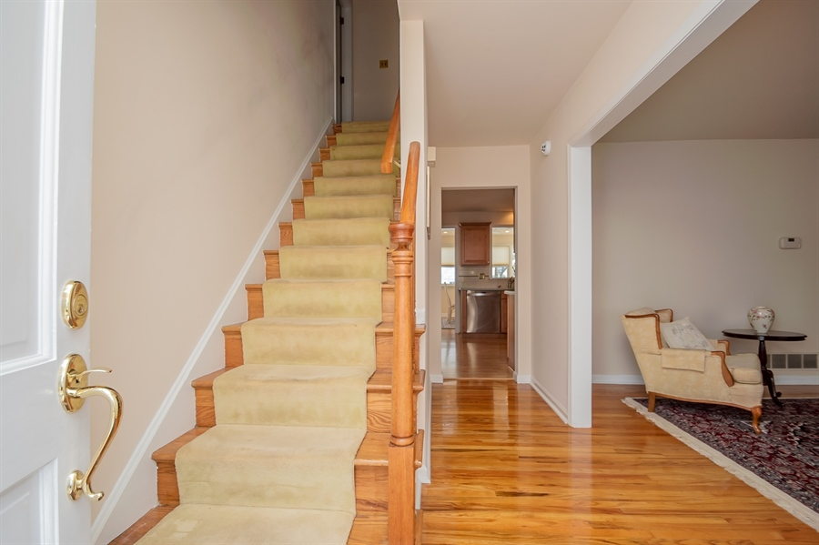 Real Estate Photography - 947 Rahway Dr, Newark, DE, 19711 - Nice Foyer