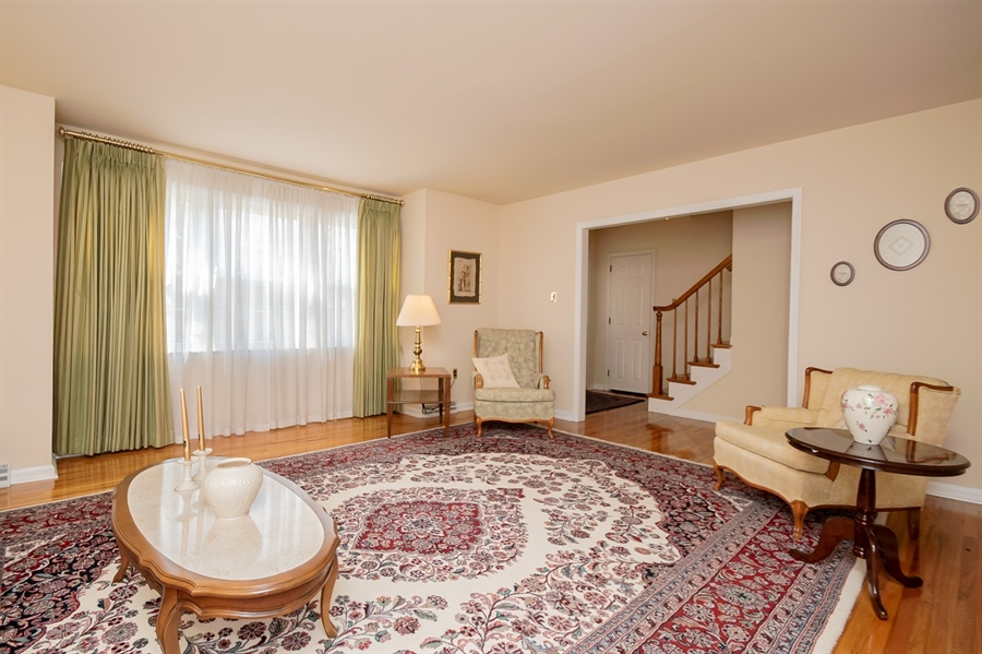 Real Estate Photography - 947 Rahway Dr, Newark, DE, 19711 - Living Room 2nd View