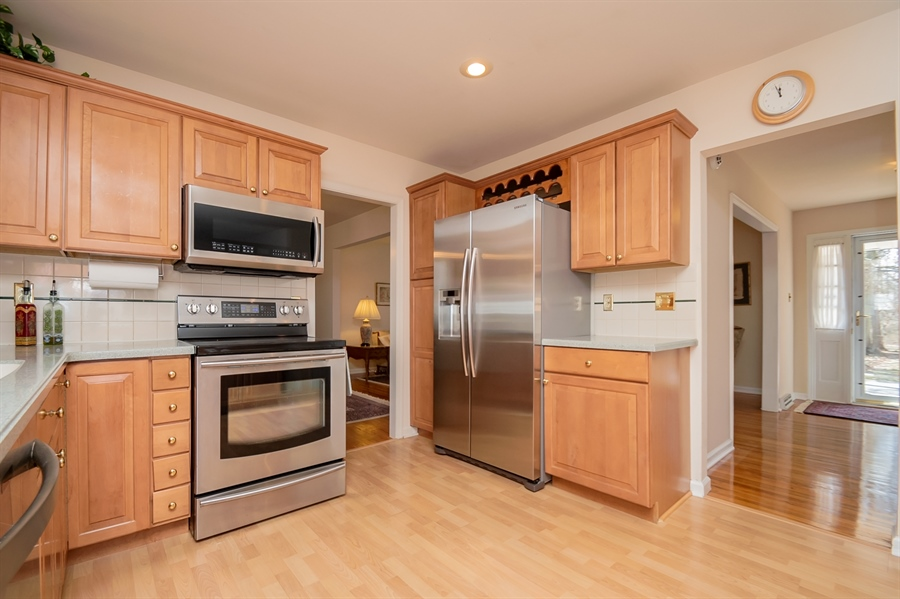 Real Estate Photography - 947 Rahway Dr, Newark, DE, 19711 - Stainless Appliances