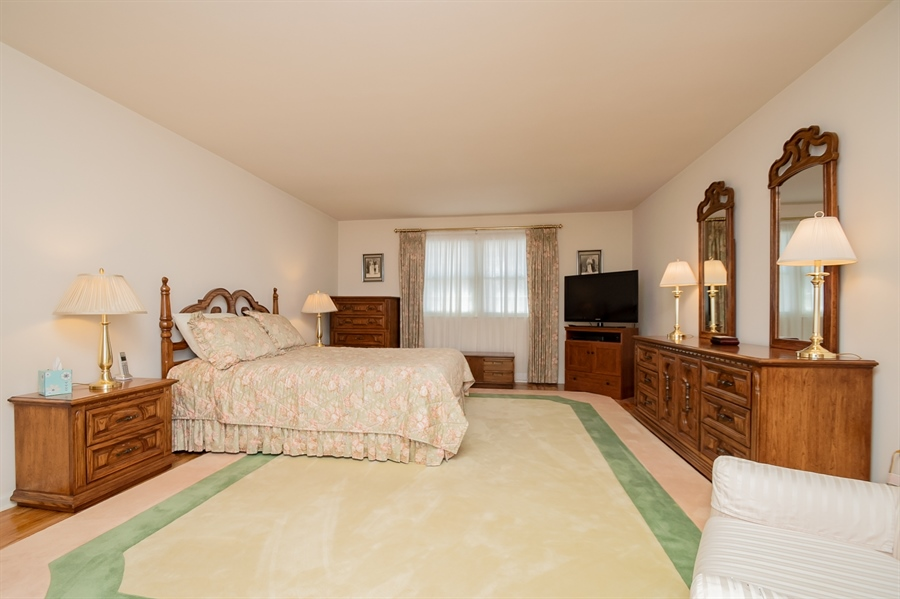 Real Estate Photography - 947 Rahway Dr, Newark, DE, 19711 - Master Bedroom