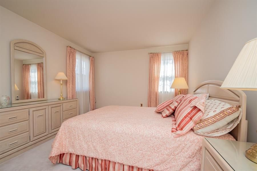 Real Estate Photography - 947 Rahway Dr, Newark, DE, 19711 - Bedroom 2 has 2 Closets