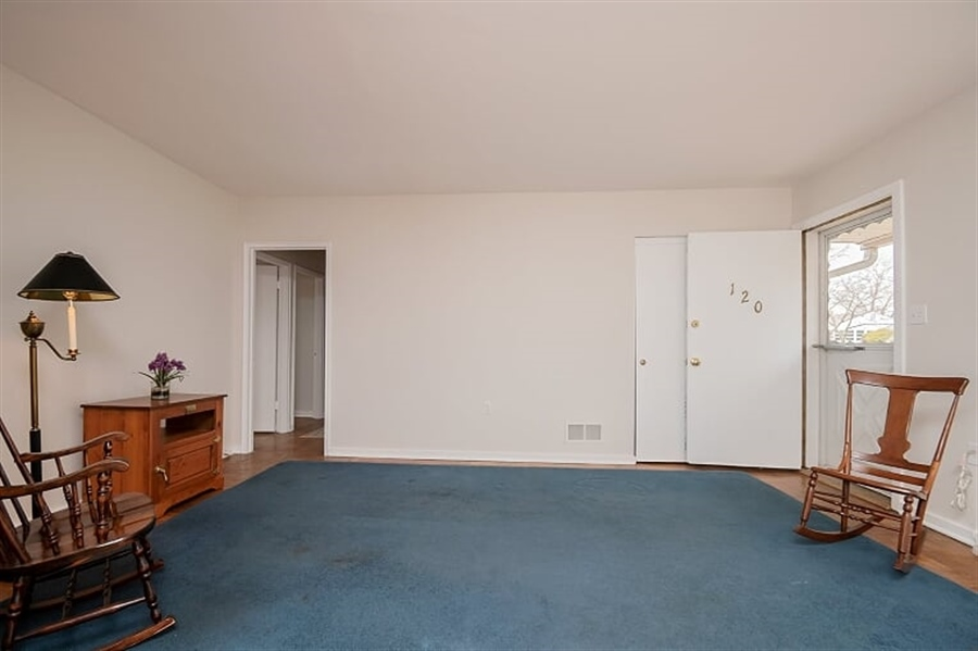 Real Estate Photography - 120 Carlie Rd, Wilmington, DE, 19803 - Living Room